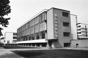 Escuela de la Bauhaus de Dessau, foto de Nate Robert vía Flickr
